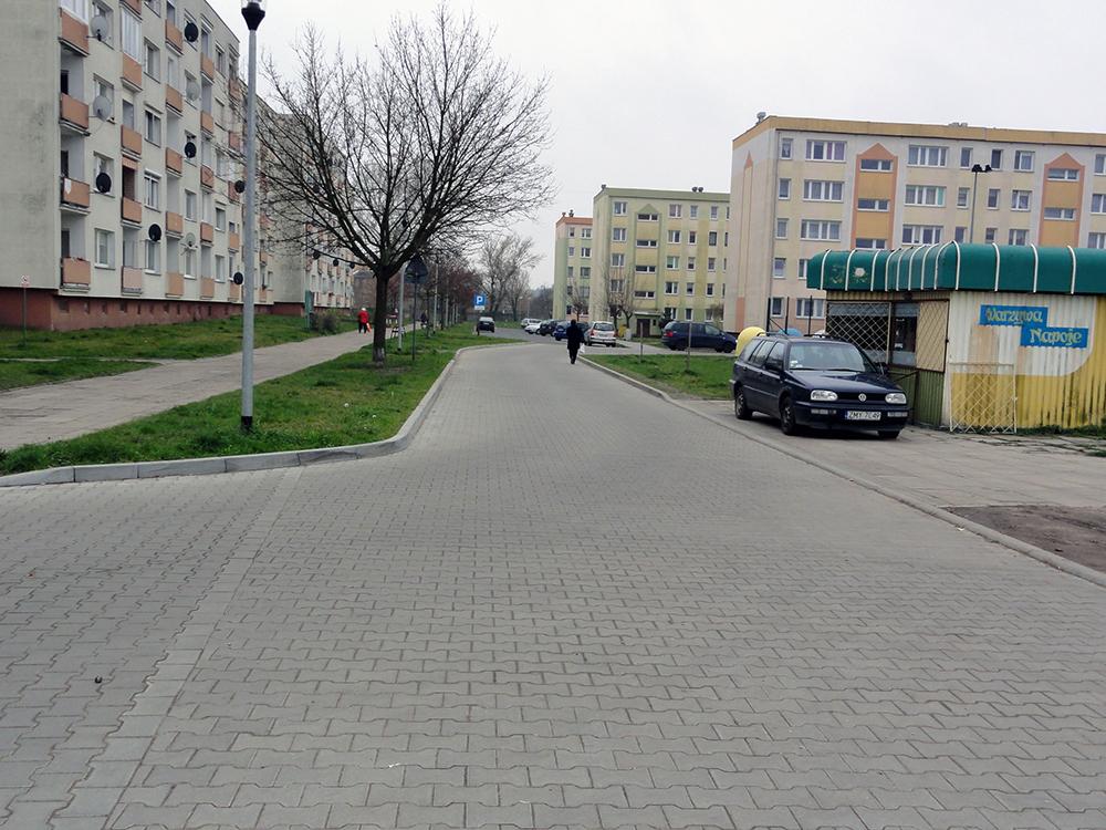 Nowa nawierzchnia drogi Os.Waryńskiego
